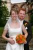 Svatební set  - kulatá kytice z chryzantém a minirůží v oranžové barvě