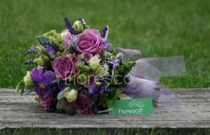 Svatební kytice fialová.