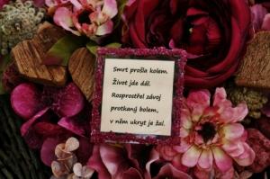 Citát na smuteční dekoraci