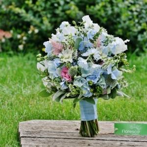Svatební kytice modrá.