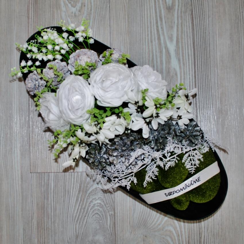 Květinová mísa na hrob