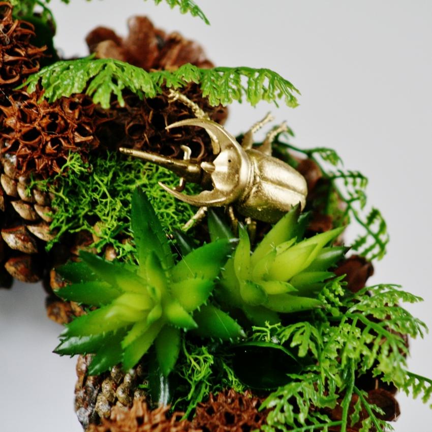 Věnec na dveře z umělých rostlin ve stylu Botanical