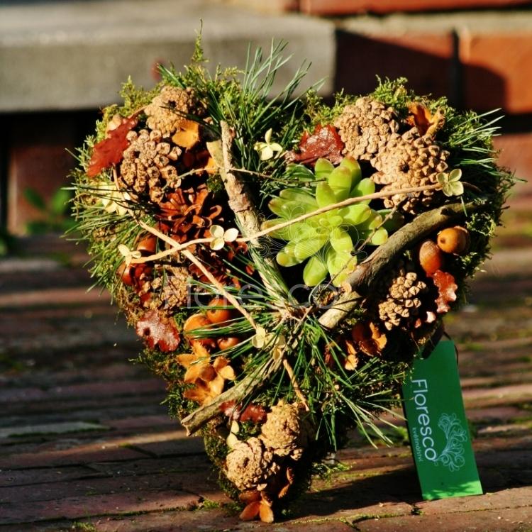 af969ba94 Srdce na hrob lesní   Květinářství Floresco