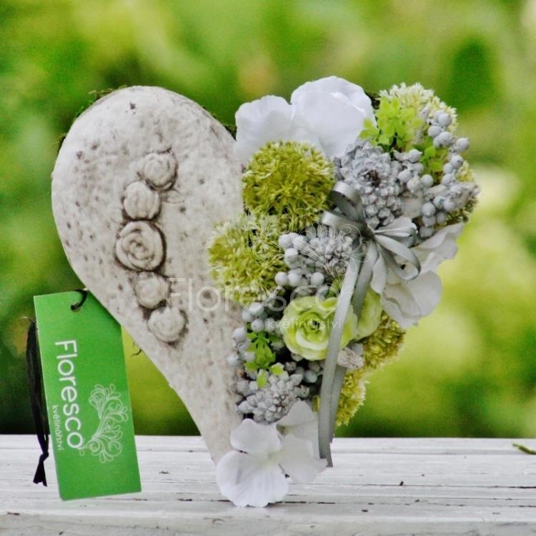 3f9d3af5d Srdce na hrob keramika bílé   Květinářství Floresco