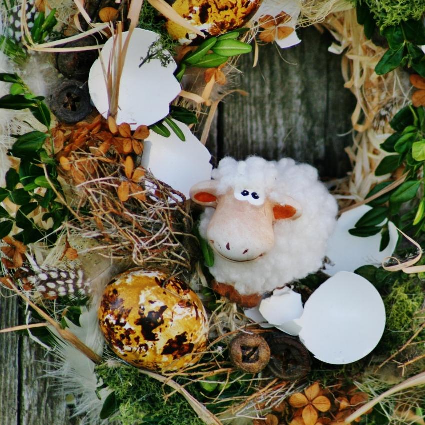 Velikonoční věnec na dveře